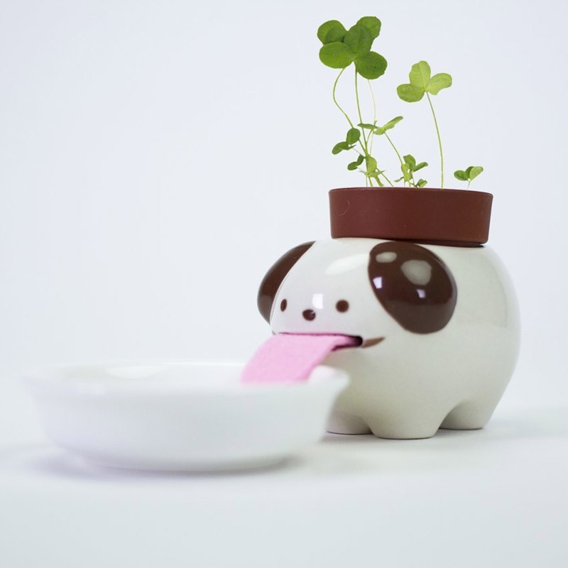 Peropon PAPA Self Watering Dog with Clover