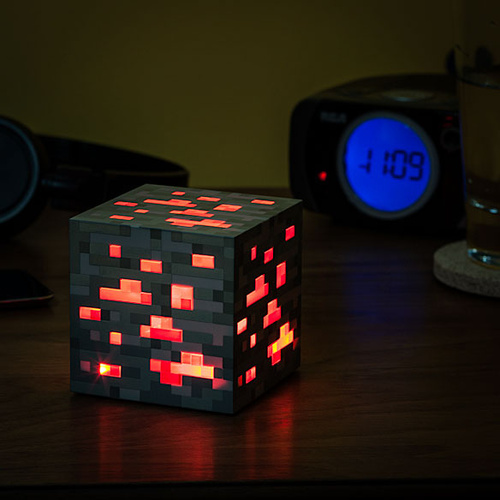 Minecraft - Light-up Redstone Ore
